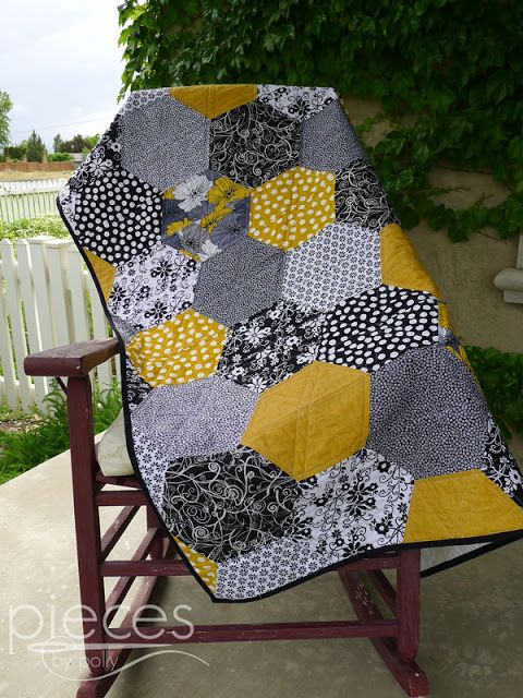 Pieces by Polly: Black and Gold Giant Hexies by Halves Quilt (Blogg...