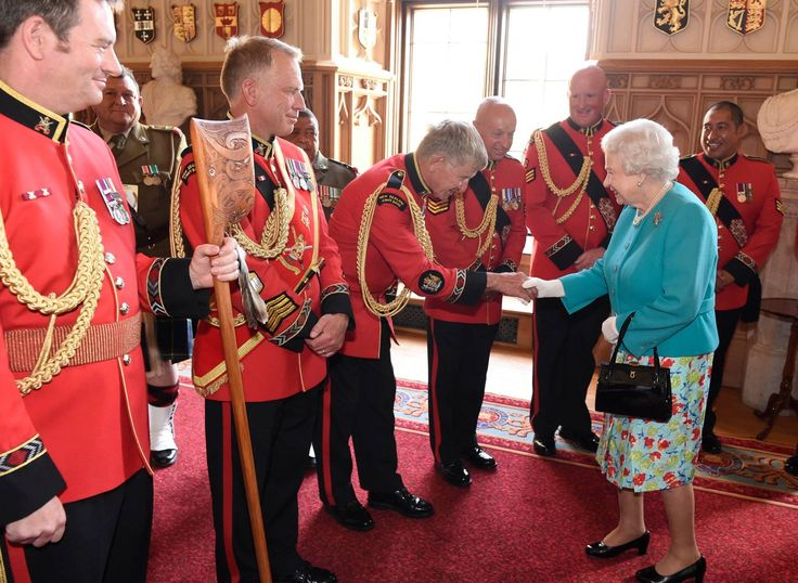 The NZ Army Band had the great honour of presenting Her Majesty the Queen a Tewhatewha especially carved for HM's 90th birthday while at Windsor Castle.