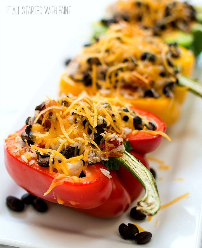 Stuffed peppers recipe. Weight Watcher's stuffed peppers recipe idea with bell peppers, black beans, cheese. Seven point Weight Watcher's recipe idea.