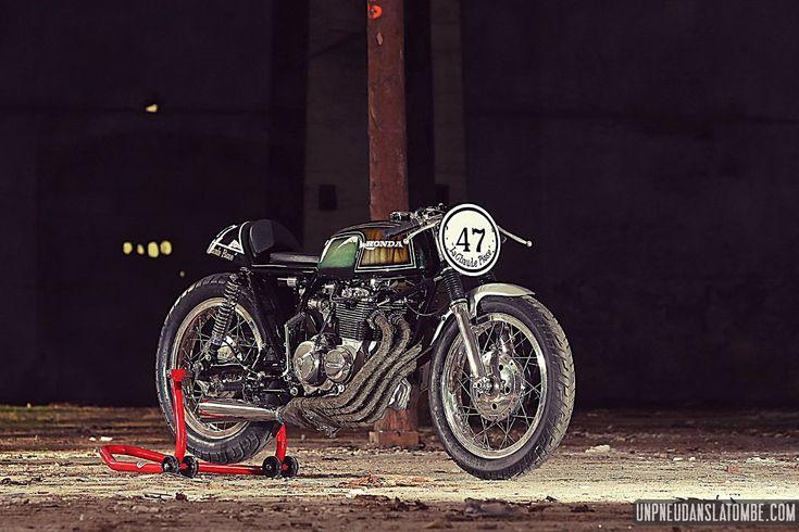 """A Honda CB 400 Four cafe-racer, that s'apelerio … """"The hot piss""""!"""