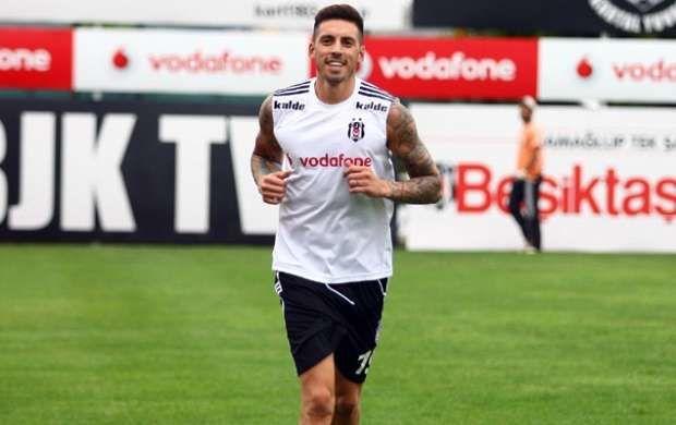 Jose Sosa joins Besiktas from FC Metalist