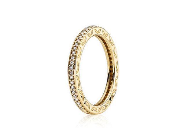 Tutti gli Anelli Pandora con il Listino Prezzi ufficiale alla Ricerca del Modello perfetto anelli Pandora listino prezzi Oro eternity
