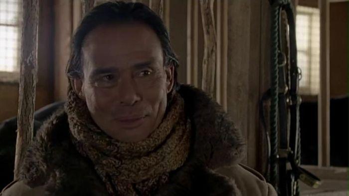 Renard Perez (Raoul Trujillo).