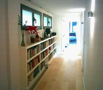 Biblioteca para pasillo