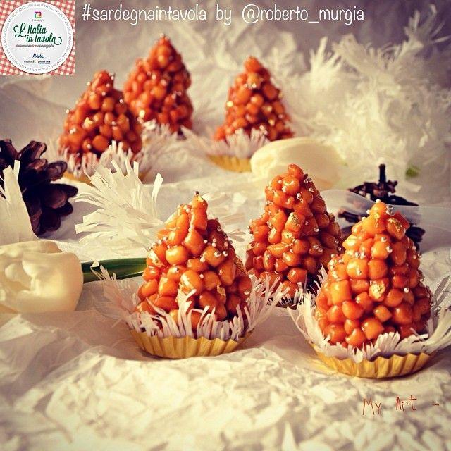 .@Italia Michael in tavola | Opinus o Pistoccheddus di Santu Brau (S.Biagio) sono dolci tipici del Carneva... | Webstagram