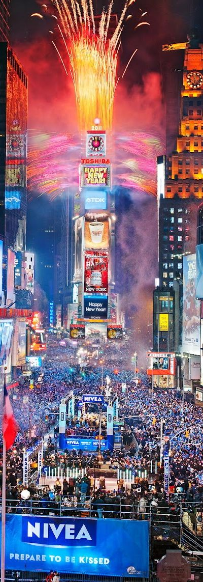 New Year's Eve bursts. With. Pyrotechnics ..  It's enigmatic !!  Explosive.  NYC.'s. Times square !!