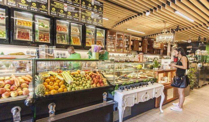 Μαγαζιά με χυμούς, το νέο τρεντ -Το ομορφότερο στο κέντρο το άνοιξε ο Αντώνης Φουρλής [εικόνες] | iefimerida.gr