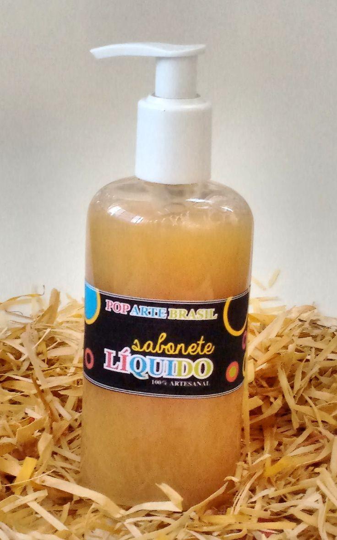 Sabonete líquido leite de cabra e canela 250ml <br>Produzido com essências de leite de cabra e essência de canela. enriquecido com extrato vegetal de leite de cabra. <br>Tem ação hidratante, calmante, antioxidante e esfoliante. Também ajuda a clarear e a suavizar a pele. Muito utilizado em peles sensíveis e peles com problemas relacionados a alergias ou eczema. <br>Feito a mão 100% artesanal