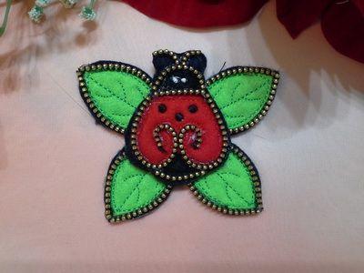 EW059_Felt Zipper Ladybug and Leaves