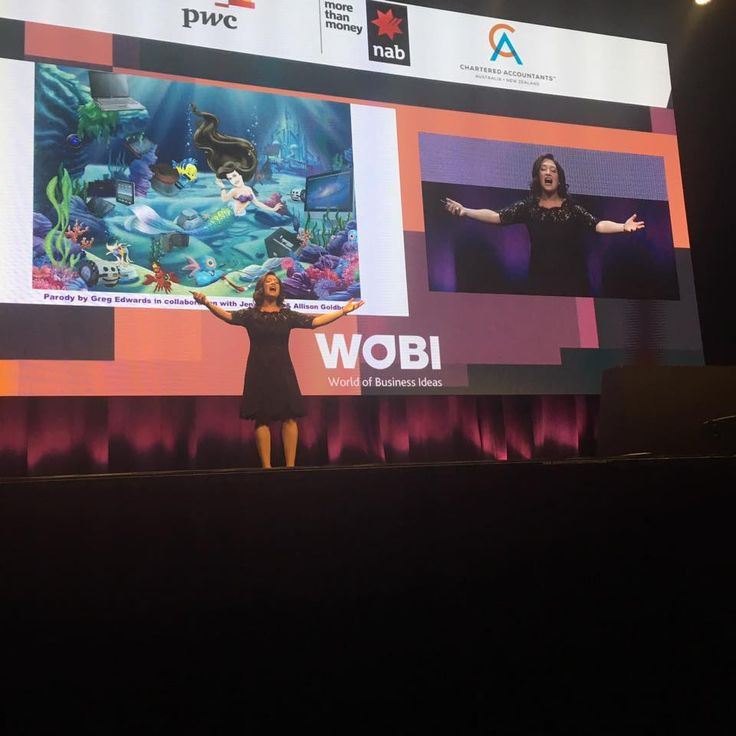 Randi Zuckerberg finished her keynote with a song! One thing I'll give her: she walks to the beat of her own drum. #worldbusinessforum #marketing #business #digital #tech #yougogirl