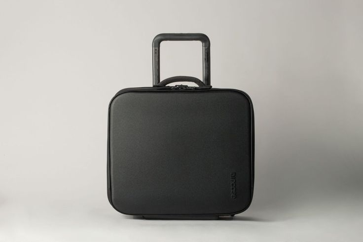 Incase VIA Roller 16, designed with capacity for 1-2 days of travel.