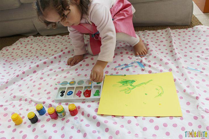 Pintura com cotonete, um jeito diferente dos pequenos fazerem arte - gabi pintando