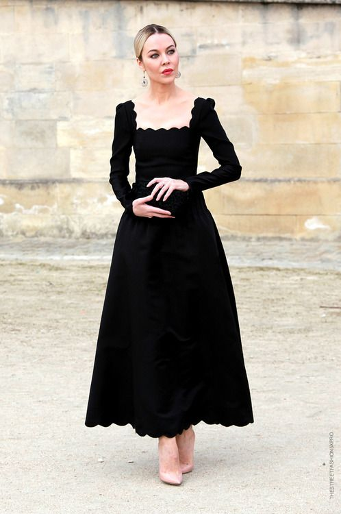 Love this square neck dress, it has the 18th century profile I like, while looking modern and chic