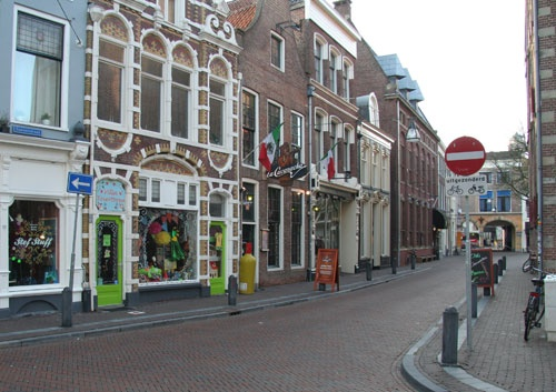 De Sassenstraat in Zwolle: veel bijzondere winkels en lekker eten