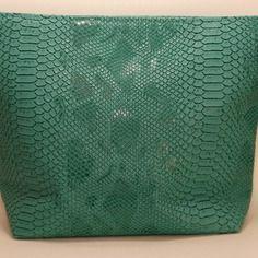 Pochette croco simili cuir  croco vert