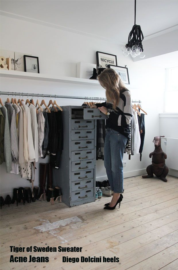 DIY clothing rack, for my future walk in closet... I like the baggy jeans and heels ...