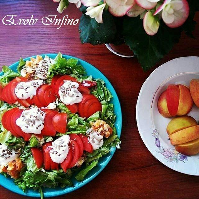 Rich Salad - Tomato, Yogurt, Lettuce, Garlic, Lemon, Olive Oil, Flax Seeds, Carot, Sunflower Seeds.