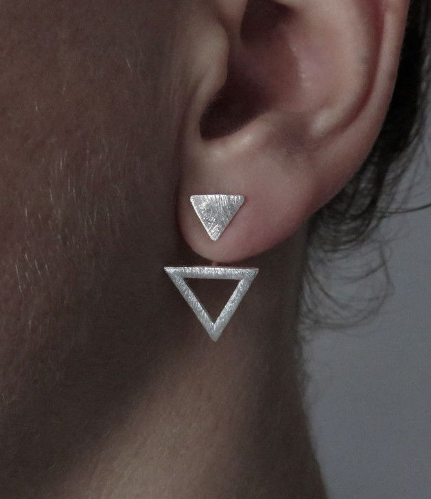 Ohrstecker Dreieck in Silber, minimalistischer Schmuck / minimalistic jewelry: triangle earrings made by Sanuka via DaWanda.com