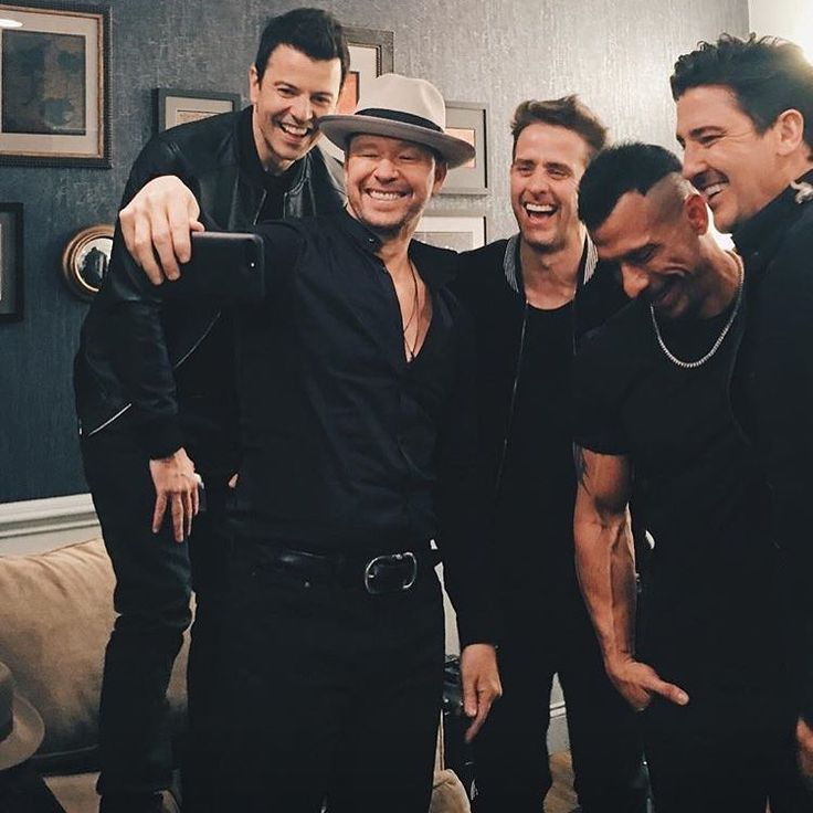 """900 Likes, 9 Comments - Land Of The BHs❥ NKOTB (@blockheadnation) on Instagram: """"LOOK AT THEM  WATCH THE LATE LATE SHOW LATER TONIGHT TO HEAR THEIR NEW SONG!!!! • • • #nkotb…"""""""