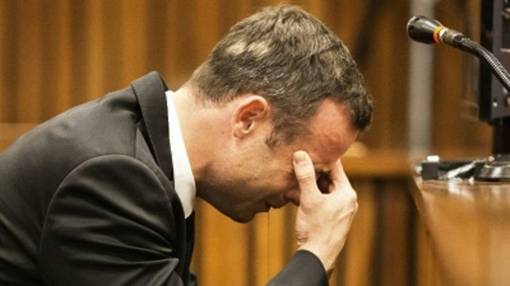 Oscar Pistorius trial Day 4: Blade Runner covers his ears as chilling details emerge in girlfriend's final minutes - Yahoo Sports