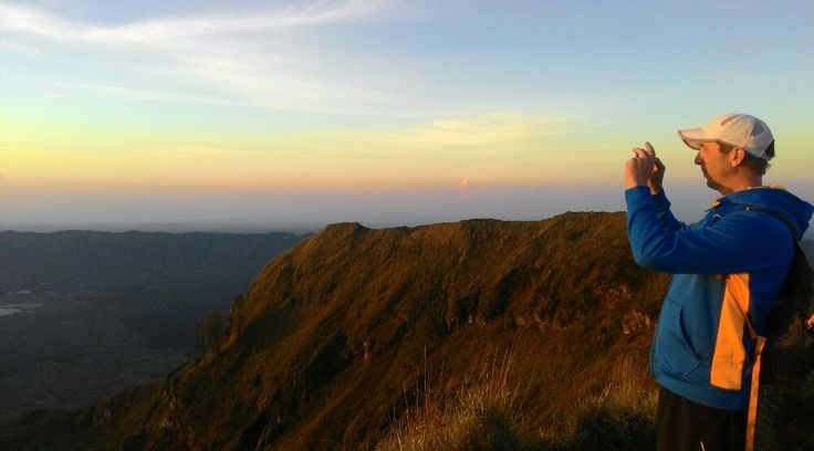 Mount Batur Sunset Trekking tour we served for who want to climb mt Batur without get up early morni