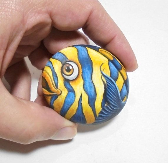 Cute Tiger Fish Painted Small Pebble Fridge Magnet ! Painted with high quality Acrylic paints and finished with Glossy varnish protection.