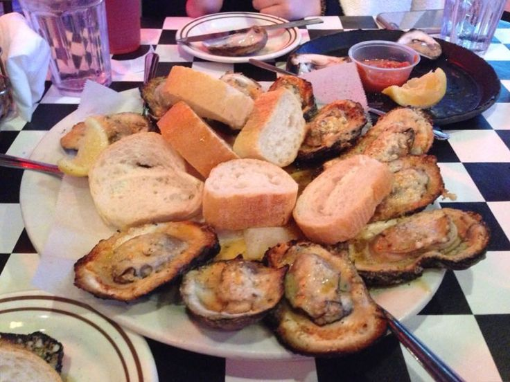 아 생각나  #뉴올리언스#루이지애나#미국#여행#먹스타그램#맛집#acme#oyster#neworleans#louisiana#frenchquarter#bourbonstreet#usa#travel#seafood by gan_nn