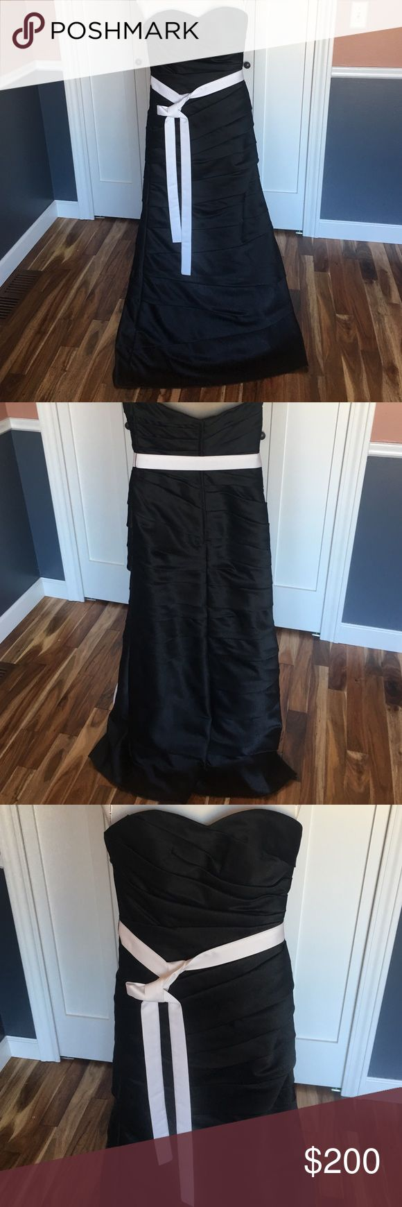 Saison Blanche Bridesmaid Dress Beautiful black Bridesmaid dress.  Has alterations done to fit, so fits more like 4. Also bra cups added.  Could be a prom or formal gown.  I loved wearing this dress, it is elegant. Saison Blanche Dresses Wedding
