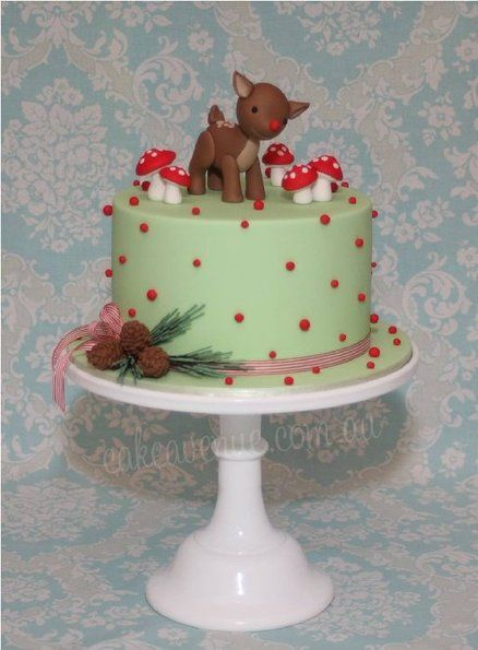 Woodland Themed Rudolph Cake. So pretty as an alternative Christmas cake