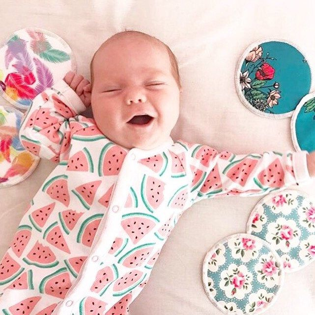 Ditch your disposable Nursing pads and order our beautifully soft Bamboo nursing pads! They are discrete and so absorbent 💗  Photo by @jasminemadaffari