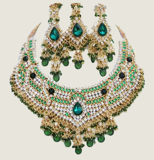 Green Hand-crafted Necklace Set $59 gorgeous Indian wedding or ceremony jewellery