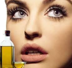 Применение репейного масла для лица        Все знают о благотворном влиянии репейного масла на состояние волос. Однако, ...