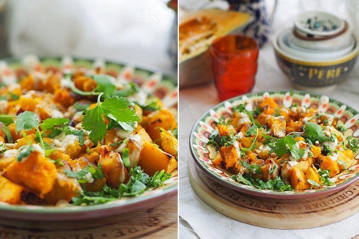 Запеченная тыква с соусом из тахини и кинзой - Baked pumpkin with tahini sauce and cilantro - HAPPYFOOD