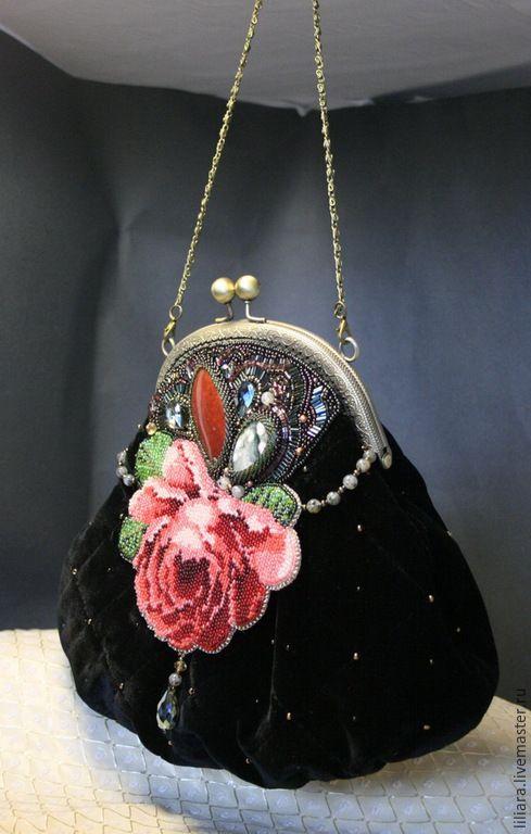 Купить Сумочка - Дикая роза - черный, рисунок, роза вышитая, сумочка бисерная, сумочка с вышивкой