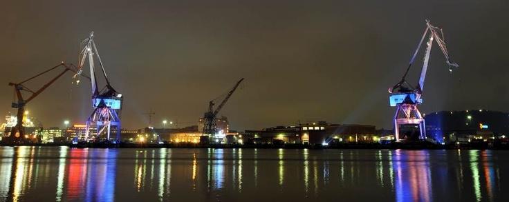 Facilities  Damen Shiprepair Götaverken AB is in possession of two dry docks, offering a lifting capacity up to 75 000 dwt (PanMax). http://www.damenshiprepair.se/