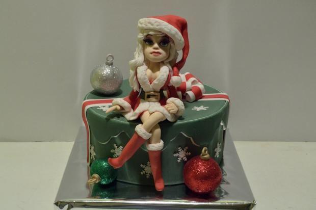 Aj vianočná torta môže byť sexi:))) Autorka: Dancul. Tortyodmamy.sk
