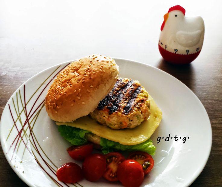 Το Ελληνικό Χρέος στη Γαστρονομία: Burger διαιτης! - Burger κοτόπουλο