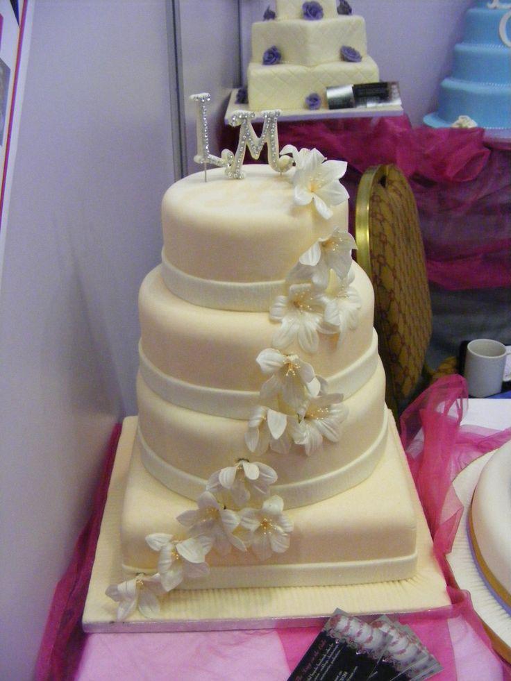 Stylish Cake!!