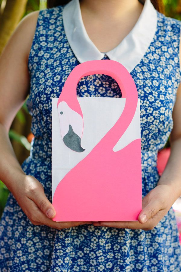 Flamingo Favor Bags DIY | Oh Happy Day!