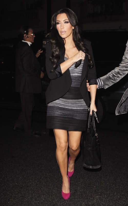 http://forum.purseblog.com/celebrity-news-and-gossip/kim-kardashian-thread-475924-273.html