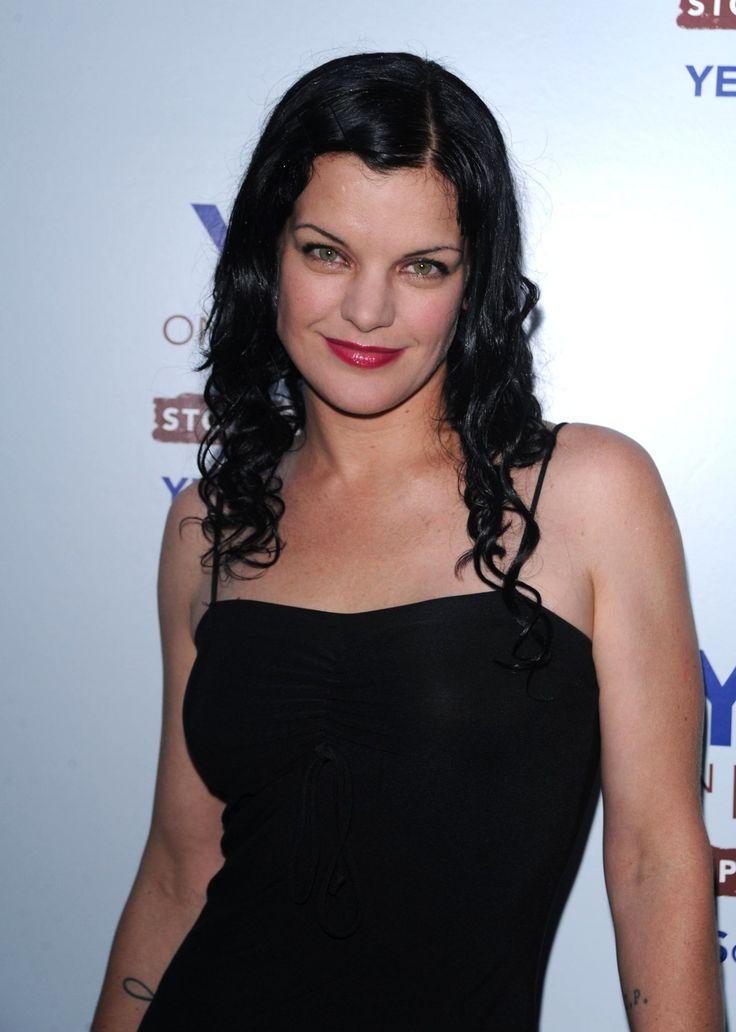 Erin Sanders - Celebrity Fakes Forum | FamousBoard.com