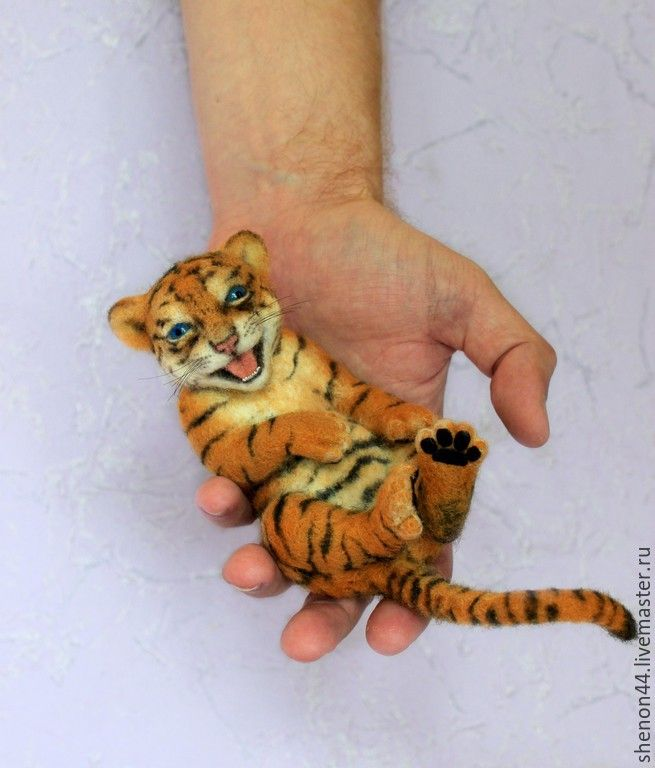 Needle felted laughing Tiger - STUNNING!! by Russian artist Daria Teplyakova