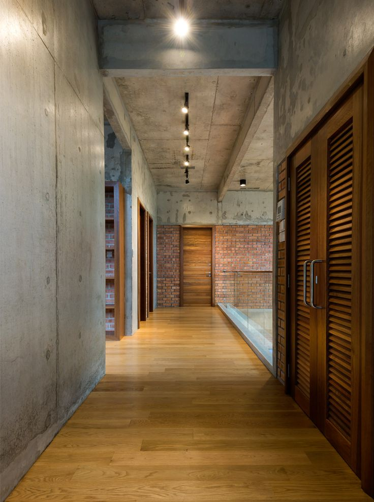 Incorporating minimalism, expansiveness, equilibrium and sustainability, this family home in Petaling Jaya, Malaysia accomplishes a remarkable range of functions with efficiency and finesse.