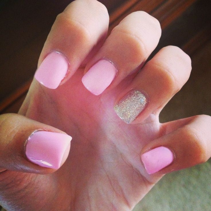 Gel Nails Light pink with silver