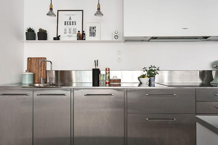 meubles de cuisine surface inox - crédence inox