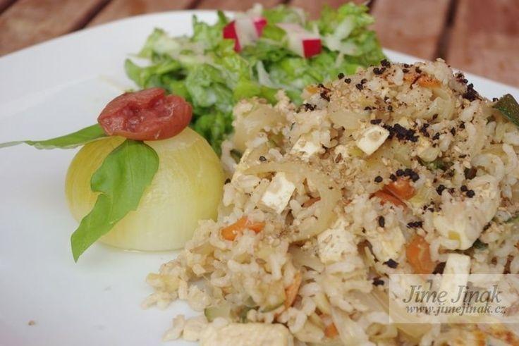 Přidejte cibulky třeba k rizotu a hned bude talíř vypadat slavnostně