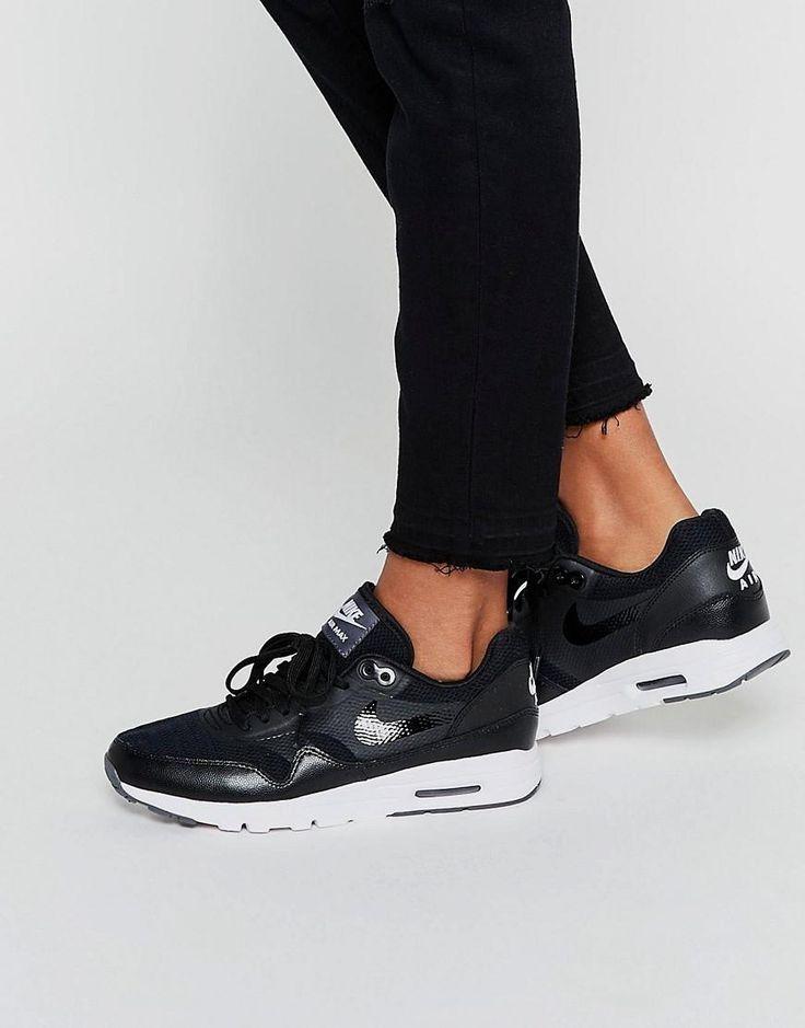 Nike | Nike – Air Max Ultra Essentials – Schwarzweiße Sneakers bei ASOS