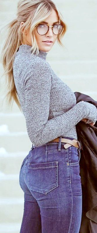 Cute belt - don't know how to pull off the high waist jeans though!