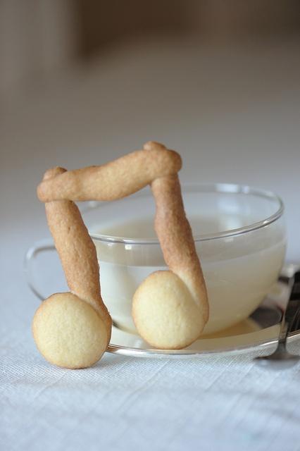 Deeni koduku piano stripper at milk and cookies Yeah