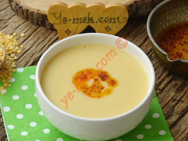Sarı Mercimek Çorbası nasıl yapılır? Kolayca yapacağınız Sarı Mercimek Çorbası tarifini adım adım RESİMLİ olarak anlattık. Eminiz ki Sarı Mercimek Çorbası tarif